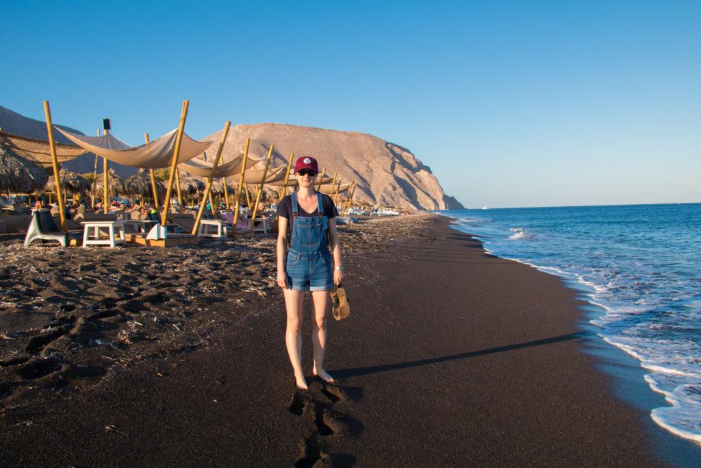 Gabrielle sur la plage de Períssa